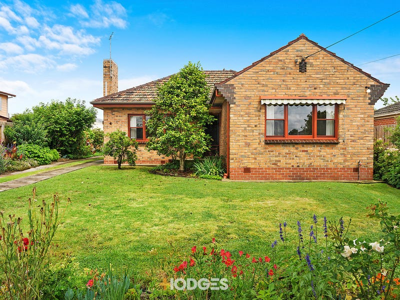 4 Woorayl Street, Hamlyn Heights, Vic 3215