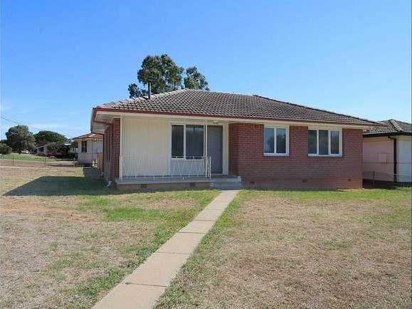 10 Lae Aveue, Ashmont, NSW 2650