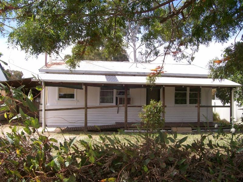 13 Budd St, Berrigan, NSW 2712
