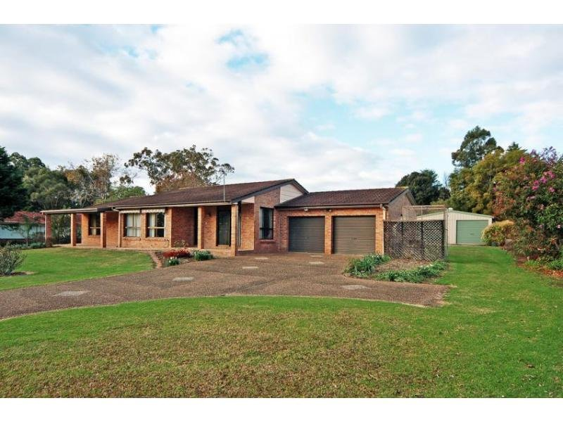12 Halstead Place, Bomaderry, NSW 2541