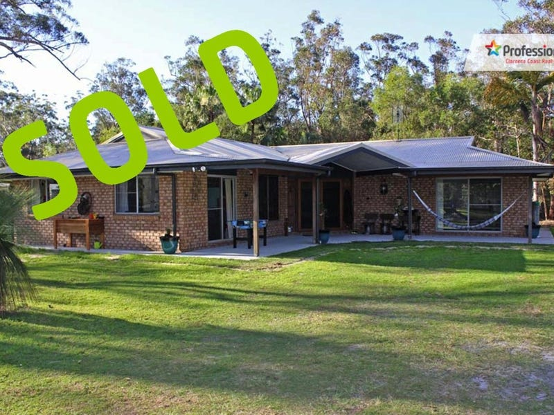 969 Brooms Head Road, Taloumbi, NSW 2463