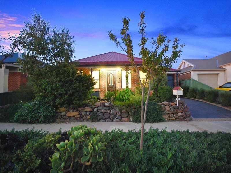 30 Chelsworth Loop, Craigieburn, Vic 3064