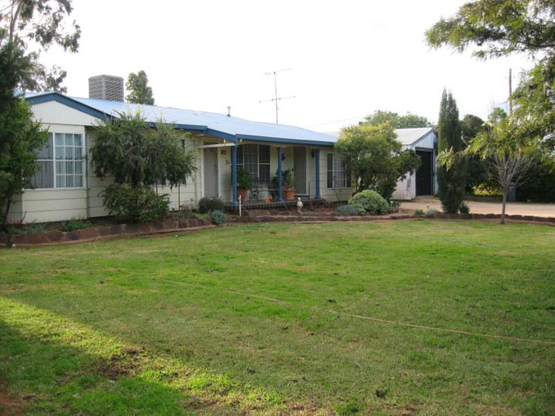 260 Nash Street, Parkes, NSW 2870