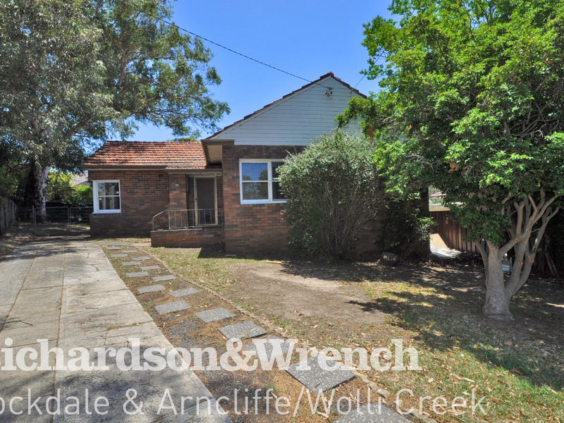 40 Simmons Road, Kingsgrove, NSW 2208