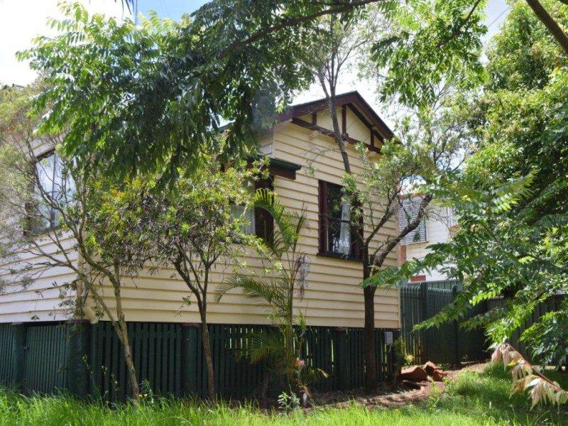 5 Lemnos Street, North Toowoomba, Qld 4350