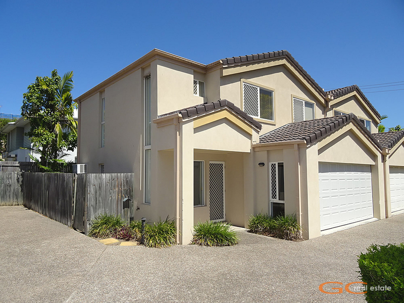 2/113 Pohlman Street, Southport, Qld 4215