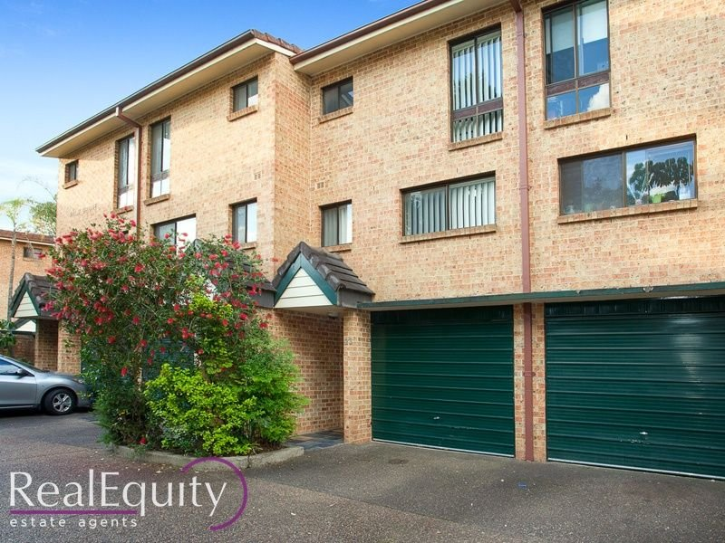 23/4 Ernest Avenue, Chipping Norton, NSW 2170