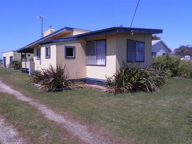 46 McLoughlins Beach Road, McLoughlins Beach, Vic 3874
