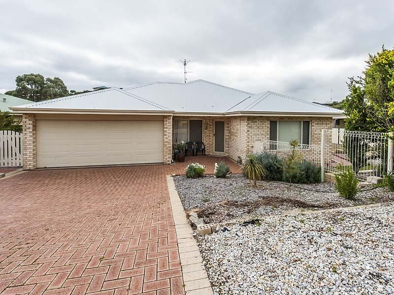 12 Bouvard Place, Preston Beach, WA 6215
