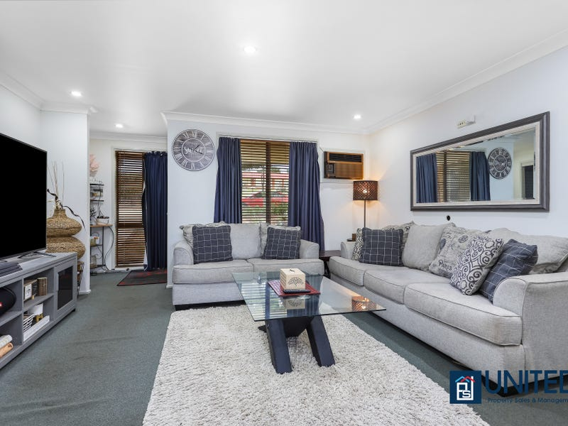 214 Eagleview Rd, Minto, NSW 2566
