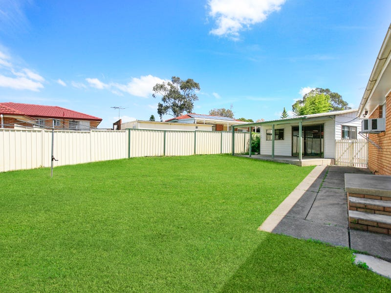 9 Hoyle Place, Greenfield Park, NSW 2176
