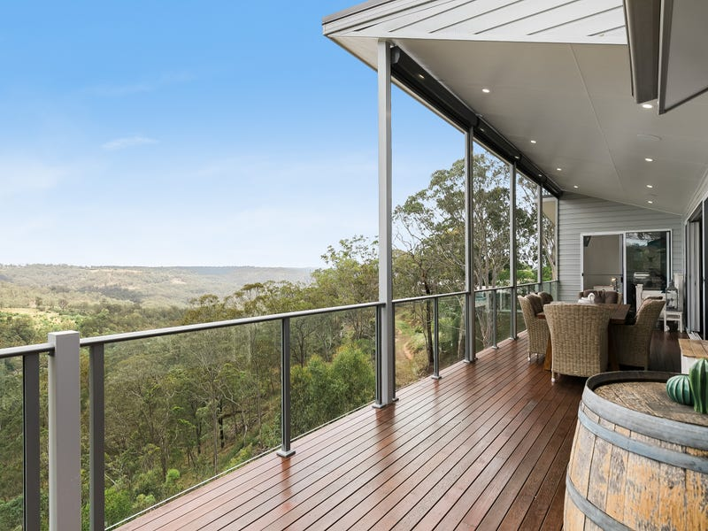 12 Vayro Road, Blue Mountain Heights, Qld 4350