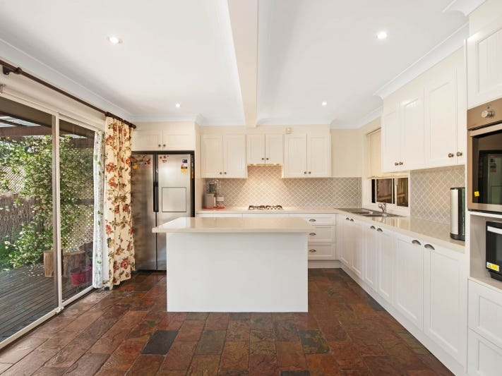 18 Woodcrest Place, Cherrybrook, NSW 2126