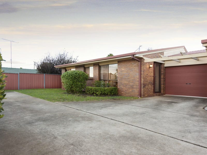 2/4 Heinemann Court, Kearneys Spring, Qld 4350