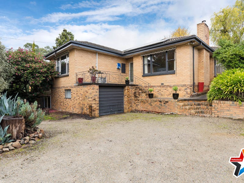 10 Rue de Gare, Wandin North, Vic 3139