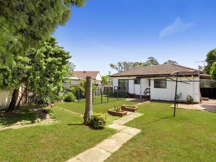 4 Merryl Avenue, Old Toongabbie, NSW 2146