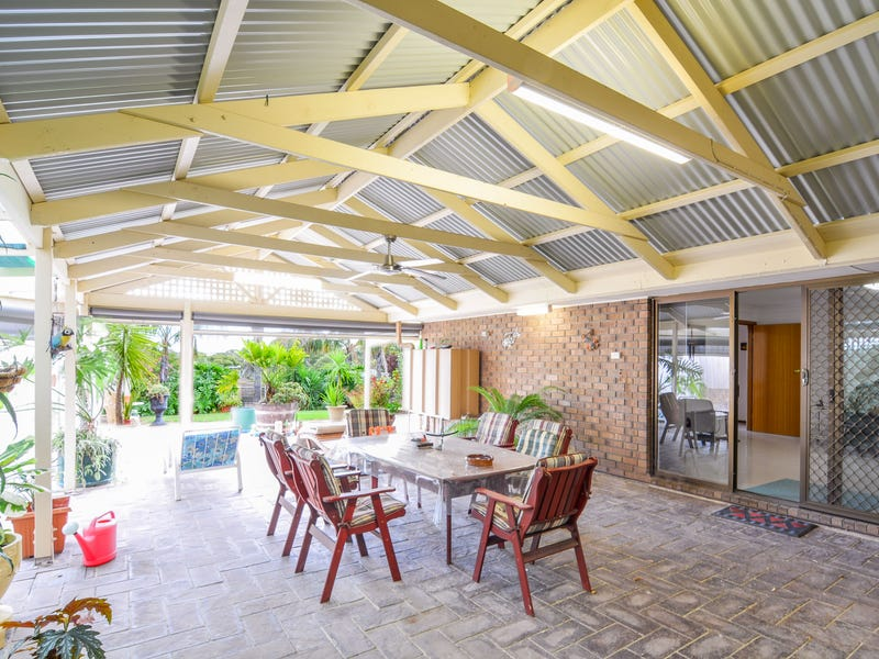 15 Sandalwood Grove, Woodcroft, SA 5162