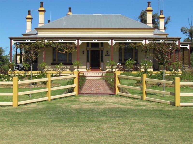 """1560 """"Pinnacle Homestead"""" Pinnacle Road, Grenfell, NSW 2810"""