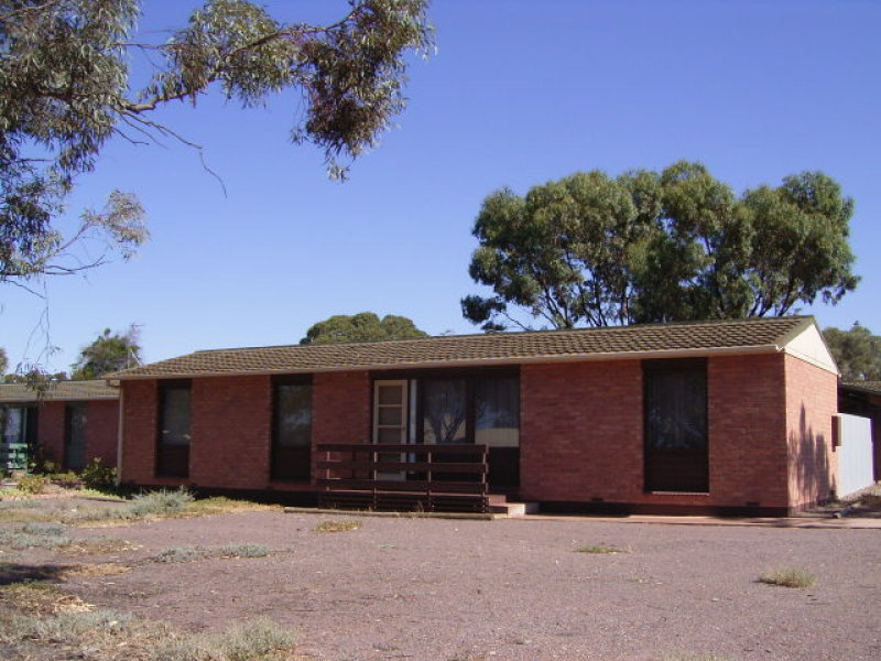 2 Charles Avenue, Whyalla Norrie, SA 5608