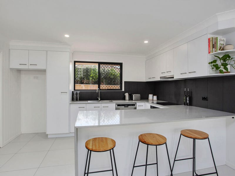 1/21 Wagtail Ct, Burleigh Waters, Qld 4220