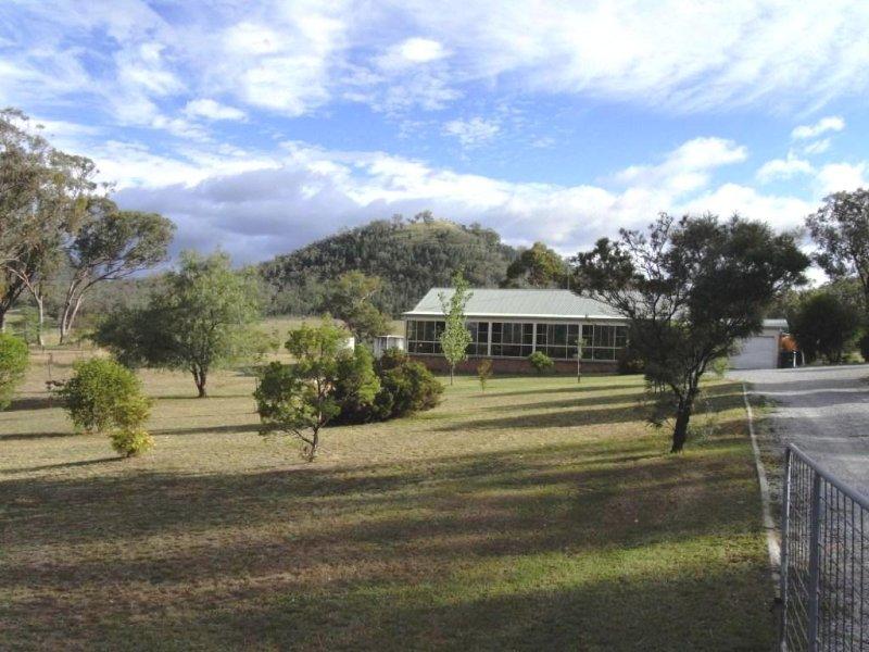 90 Woodside Chase, Kootingal, NSW 2352