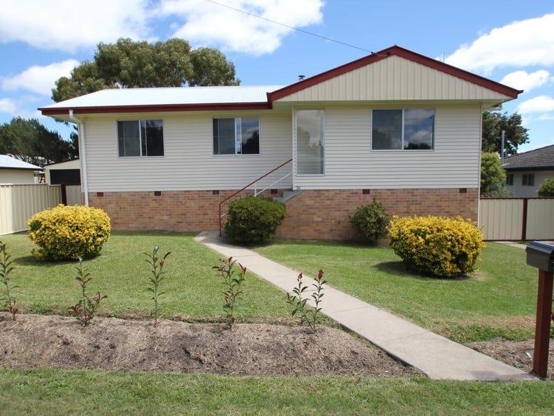 76 Logan Street, Tenterfield, NSW 2372