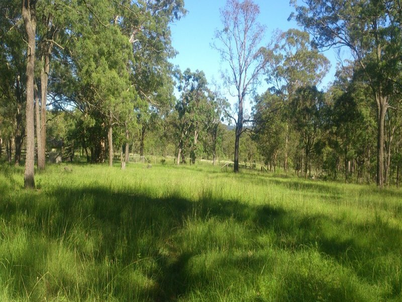 18, Pipeclay Dip Rd, Ravensbourne, Qld 4352