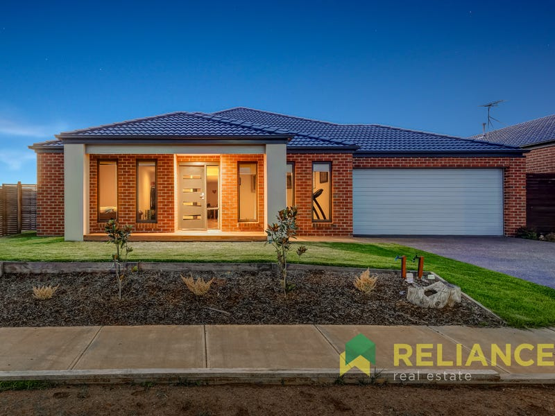 20 BIRKDALE WAY, Melton South, Vic 3338