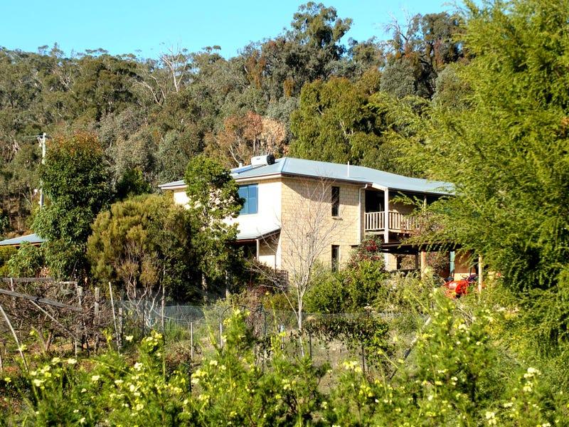 42 Wild Grape Road, Redbank, Vic 3477
