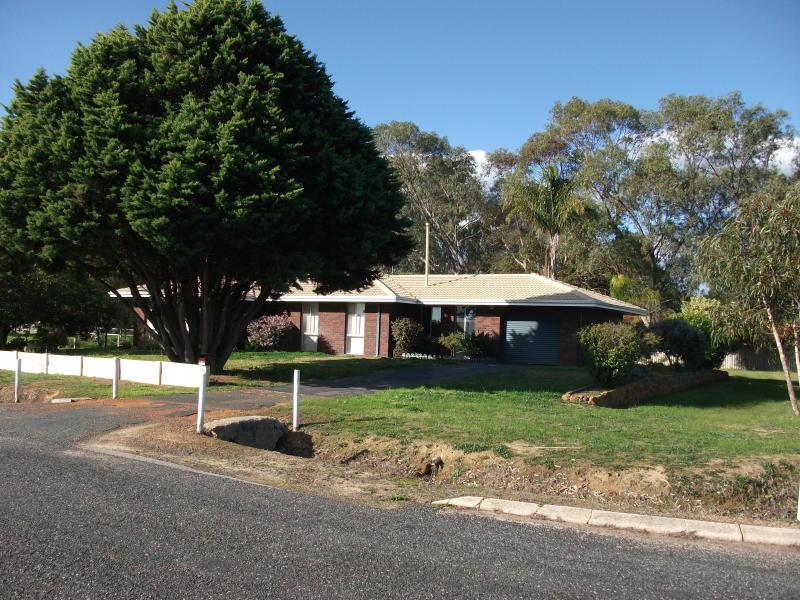 70 ORANGE AVE, Upper Swan, WA 6069