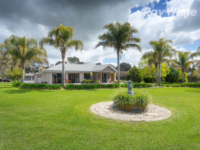 18 Willow Way, Table Top, NSW 2640