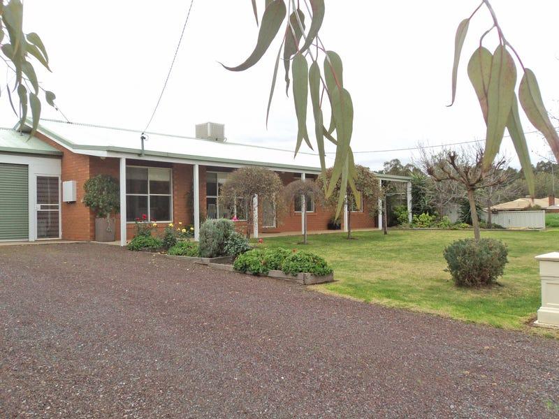 7 Picnic Point Road, Mathoura, NSW 2710