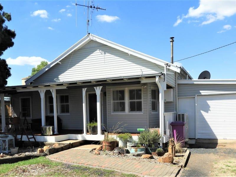 8 Chester St, Warren, NSW 2824