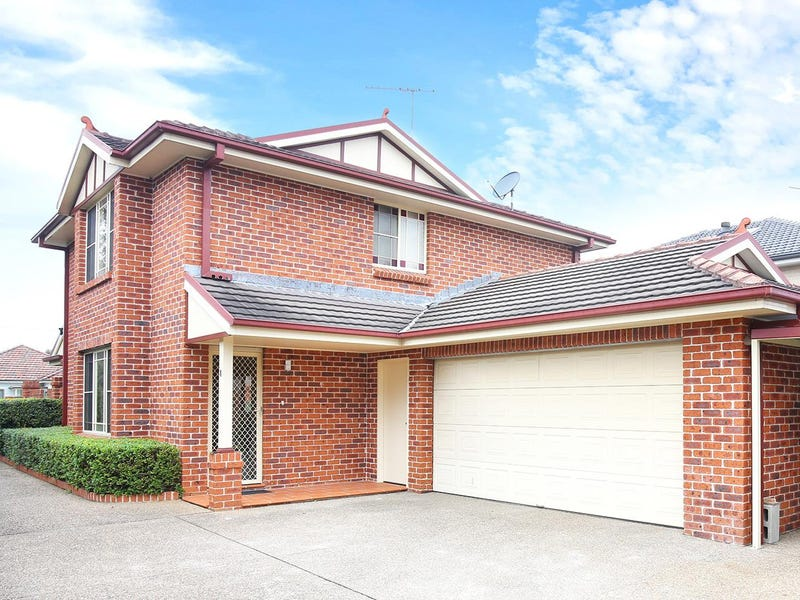 1/80 Victor Avenue, Picnic Point, NSW 2213