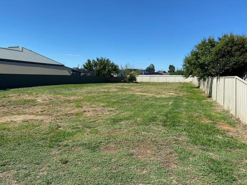 1 Hamilton St, Culcairn, NSW 2660