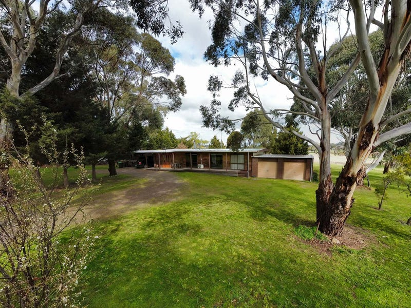 10 Talbot Road, Clunes, Vic 3370
