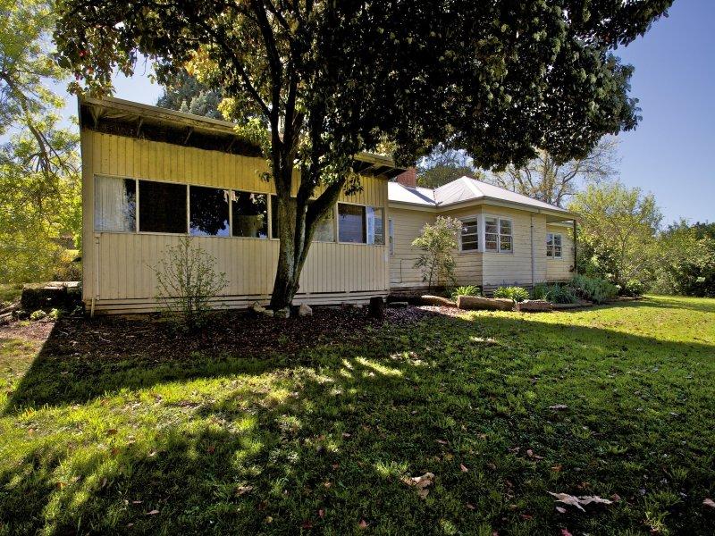 64 Grange Road, Porepunkah, Vic 3740