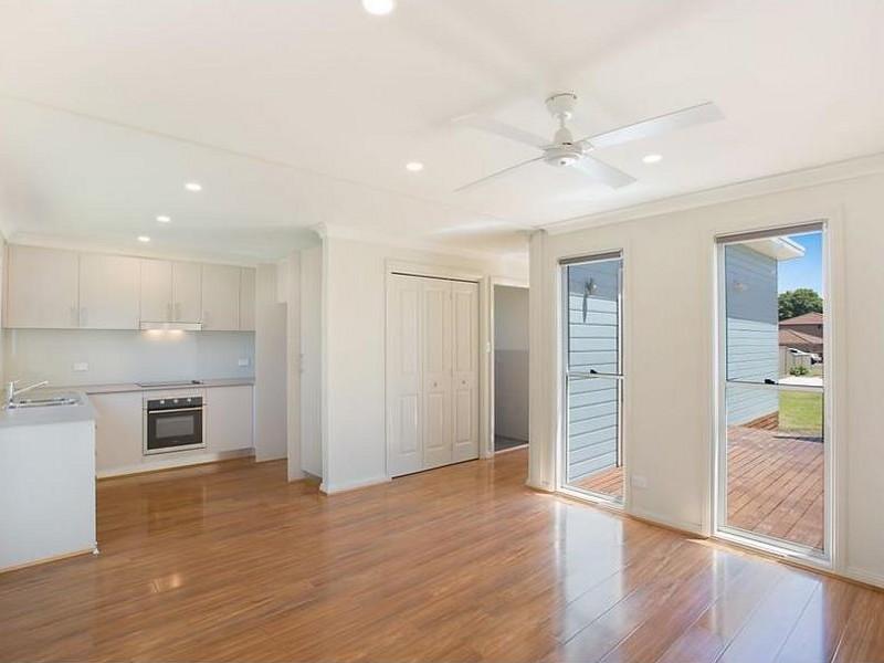 11A Holmes Ave, Toukley, NSW 2263