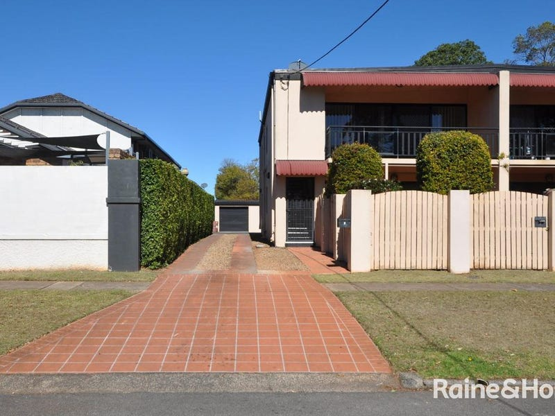3/4 Scott Street, East Toowoomba, Qld 4350