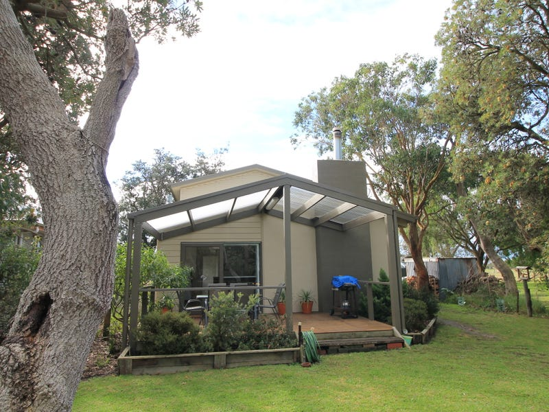 39 Ash Ave, Sandy Point, Vic 3959