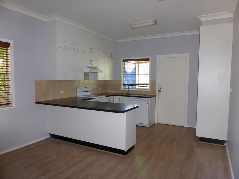 12 Sydney Street, Parkes, NSW 2870