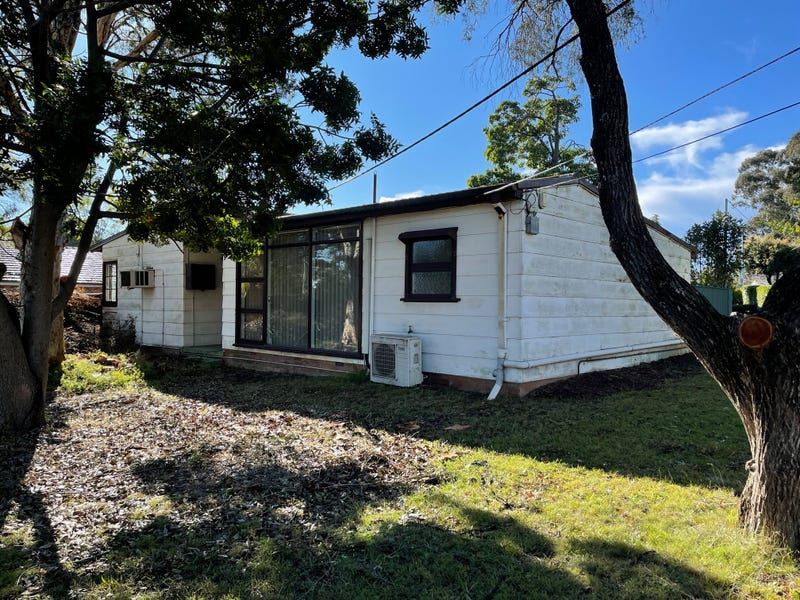 176 Rex Road, Georges Hall, NSW 2198