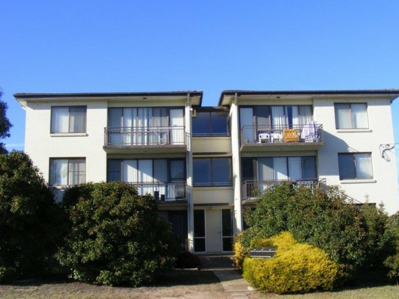 2/11 Queen Street, Goulburn, NSW 2580