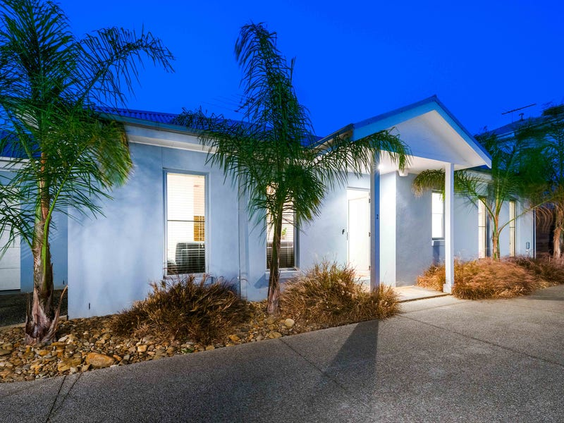 2/227 Woods Street, Newport, Vic 3015