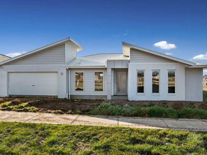 35 Parkside Avenue, Romsey, Vic 3434