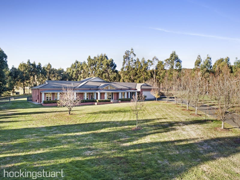13 Pyrenees Vista Close, Invermay, Vic 3352