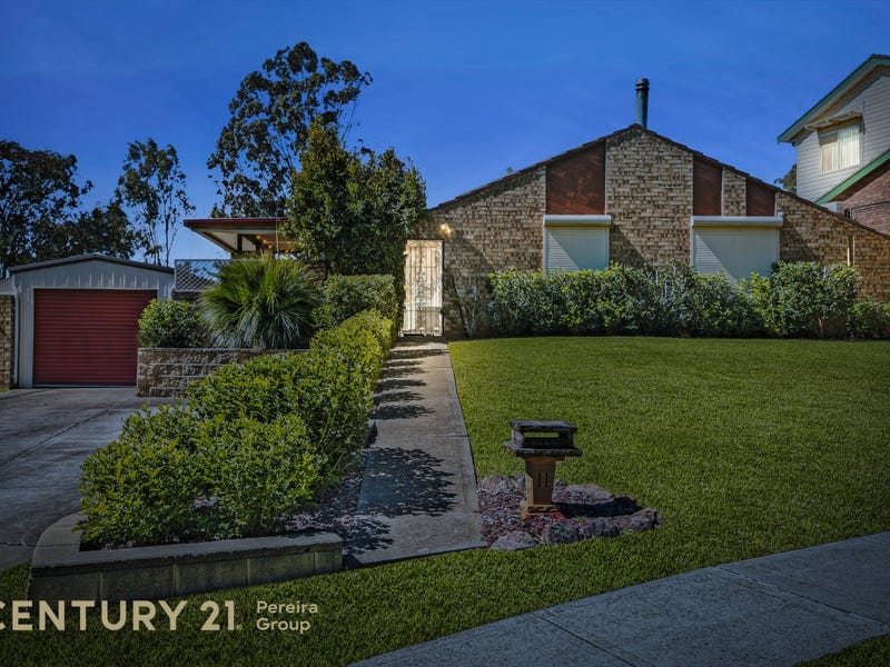 11 Anthony Drive, Rosemeadow, NSW 2560