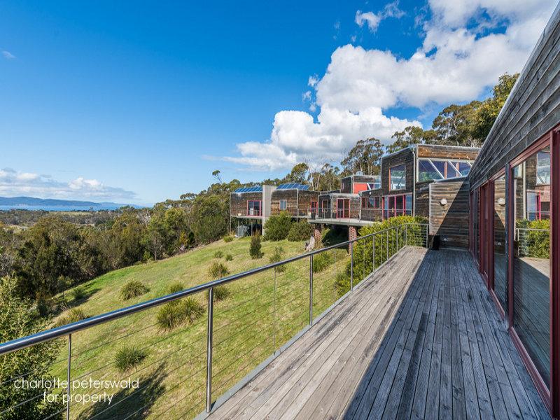 1450 South Arm Road, Clifton Beach, Tas 7020