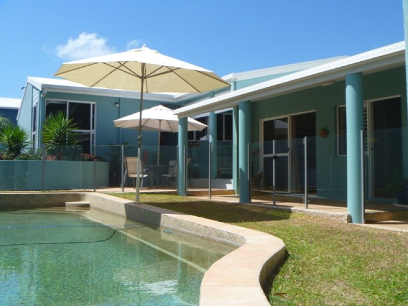 8 Russell Ave, Slade Point, Qld 4740