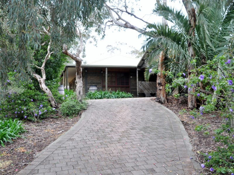 18 Altman Ave, Victor Harbor, SA 5211
